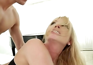 Sexy Blonde MILF gets that Anal [www.lit-milfs.com]