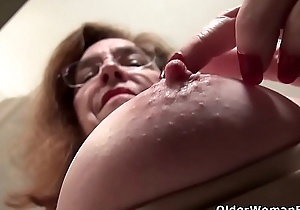 American gilf Melody Get nearer to teases us there her unshaven cunt