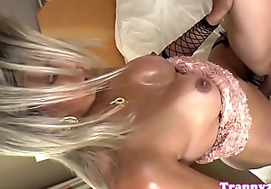 Mature tranny assfucking her bfs tight ass