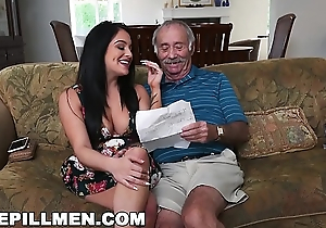 BLUEPILLMEN - Grand-dad Frankie Is A Fast Learner! (bpm14828)